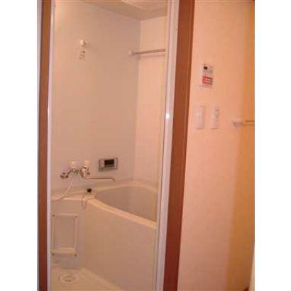 浴室 暖房器付き換気扇ついてます!