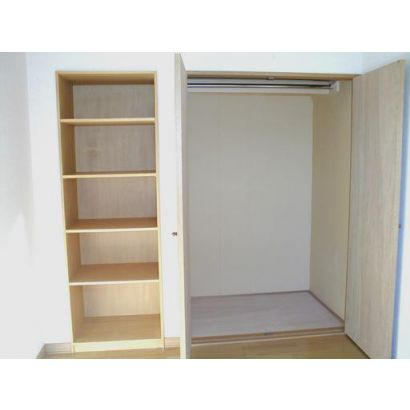 洋室 収納スペース