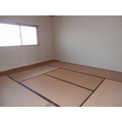 8畳和室+板の間