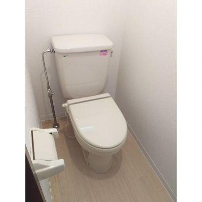 トイレ 手洗い台があります