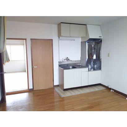 居間と台所です