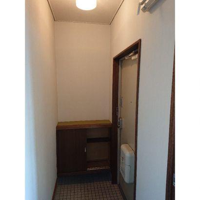玄関、下駄箱