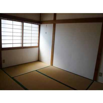 玄関左の和室。