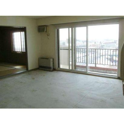 広々居間です眺望良!(床は改装中です)※続き間の和室は8帖です