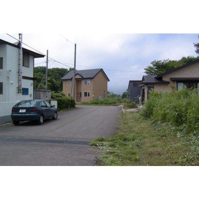 周辺写真 分譲地内には20軒ほど住宅が建っています。