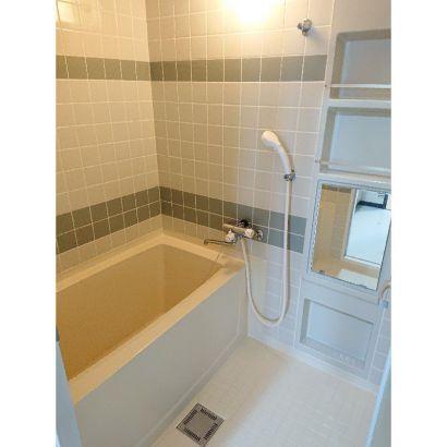 浴室ユニットバス サーモ付シャワー水栓、乾燥換気扇つき